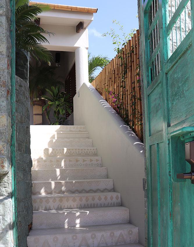 casa kamala entrance